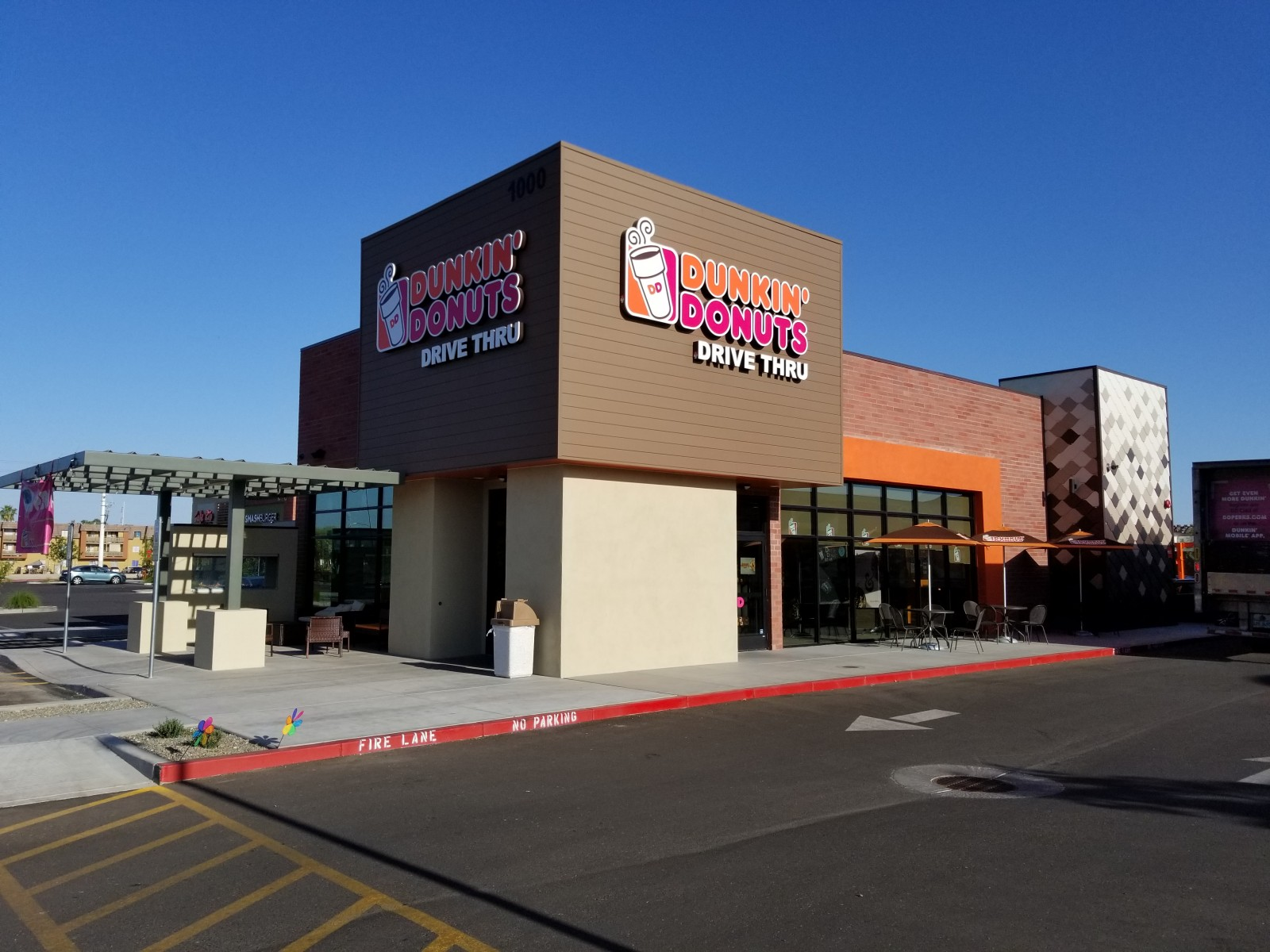 Dunkin Donuts – 9th & Bell Rd.
